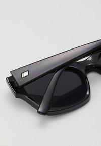 Le Specs - ROCKY - Sluneční brýle - black - 2