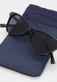 Le Specs - SITUATIONSHIP - Sluneční brýle - black - 3