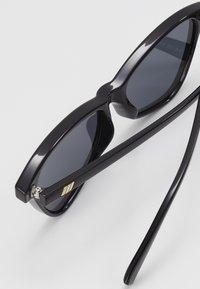 Le Specs - SITUATIONSHIP - Sluneční brýle - black - 2