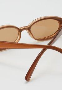 Le Specs - OUTTA LOVE  - Sluneční brýle - tan - 2