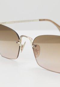 Le Specs - PIT STOP - Sluneční brýle - rose - 2