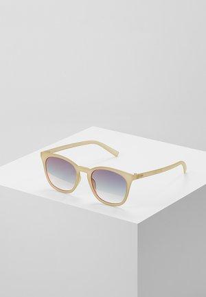 FINE SPECIMEN - Occhiali da sole - matte matcha