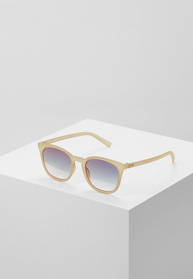 FINE SPECIMEN - Sluneční brýle - matte matcha