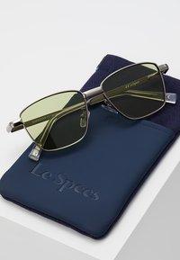 Le Specs - SUPASTAR - Sluneční brýle - brushed silver-coloured - 2
