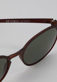 Le Specs - SWIZZLE LE THOUGH - Sluneční brýle - matte copper - 2