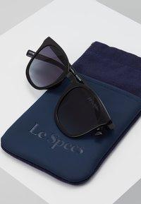 Le Specs - FINE SPECIMEN - Occhiali da sole - black - 2