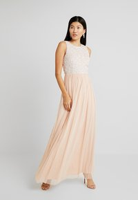 Lace & Beads - PICASSO MAXI - Galajurk - nude - 1