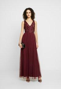 Lace & Beads - ALICE MAXI - Společenské šaty - burgundy - 2