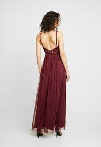 Lace & Beads - ALICE MAXI - Společenské šaty - burgundy - 3