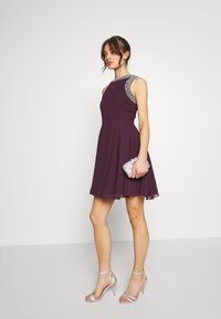 Lace & Beads - DUNYA DRESS - Vestito elegante - burgundy - 1