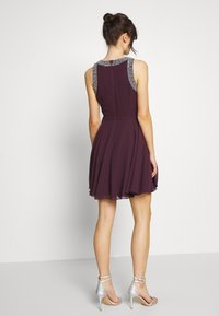 Lace & Beads - DUNYA DRESS - Vestito elegante - burgundy - 2