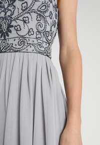 Lace & Beads - PAULA MAXI - Iltapuku - light grey - 7