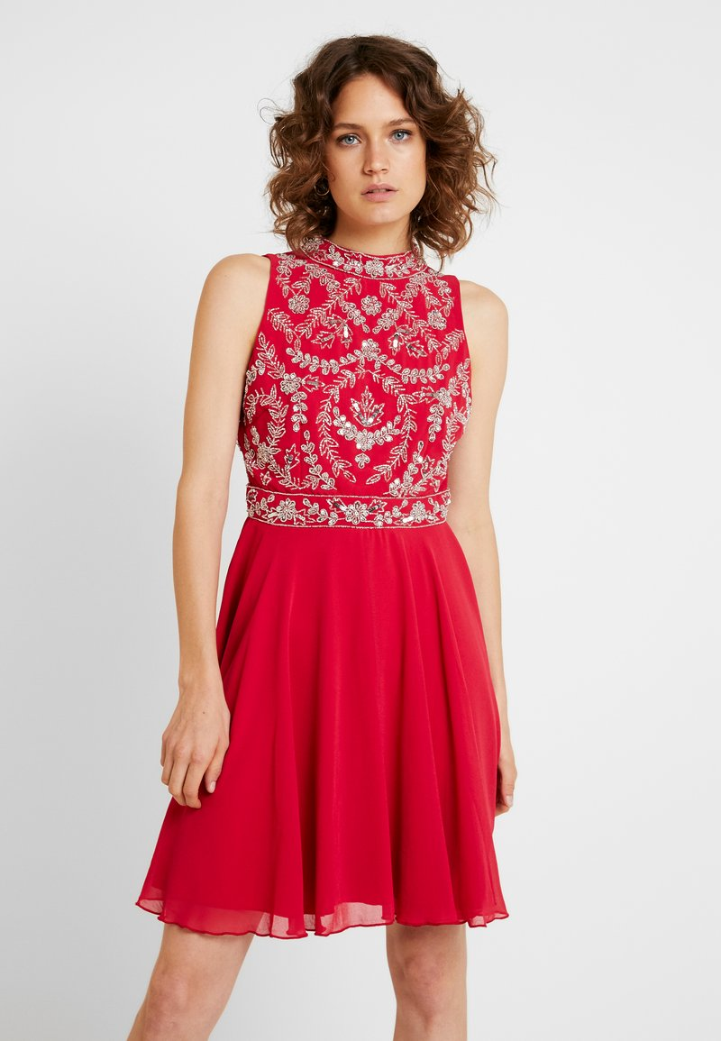 Lace & Beads - JOELLA MINI - Cocktailkjoler / festkjoler - bright red