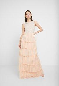 Lace & Beads - PICASSO LAYERED - Společenské šaty - nude - 2