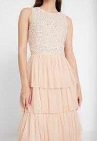 Lace & Beads - PICASSO LAYERED - Společenské šaty - nude - 6