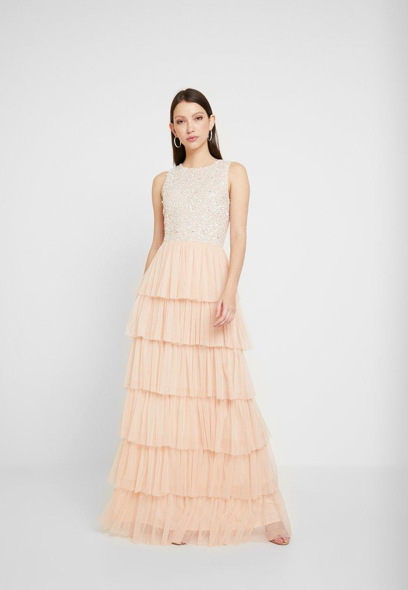 Lace & Beads - PICASSO LAYERED - Společenské šaty - nude