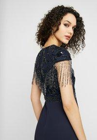 Lace & Beads - SAVANNA WRAP MAXI - Společenské šaty - navy - 4