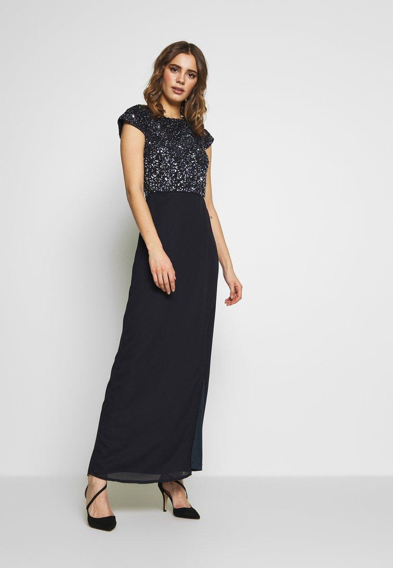 Lace & Beads - MERMAID WRAP MAXI - Společenské šaty - navy