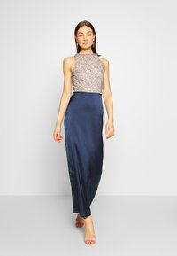 Lace & Beads - SAOIRSE MAXI - Vestido de fiesta - navy/nude/silver - 1