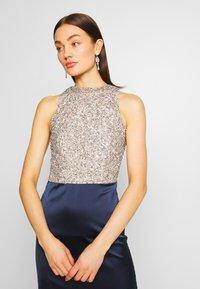Lace & Beads - SAOIRSE MAXI - Vestido de fiesta - navy/nude/silver - 3