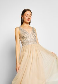 Lace & Beads - MELANIE DRESS - Juhlamekko - cream - 3