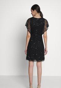 Lace & Beads - RAFEAELLA DRESS - Vestido de cóctel - black - 2