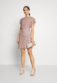 Lace & Beads - RAFAELLA DRESS - Cocktailkjole - mink - 1