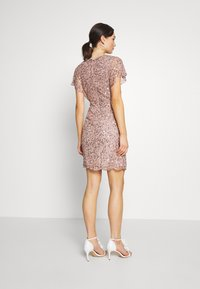 Lace & Beads - RAFAELLA DRESS - Cocktailkjole - mink - 2
