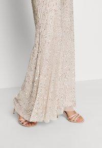 Lace & Beads - MOSCHINA  - Suknia balowa - nude - 6