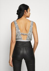Lace & Beads - MYLA - Bluser - light grey - 2