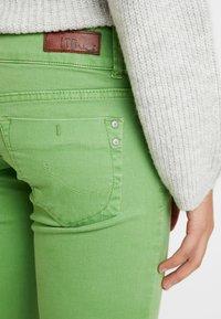 LTB - MOLLY - Jeans Skinny Fit - fluorite green - 5