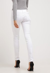 LTB - MOLLY - Jeans Skinny Fit - white - 2
