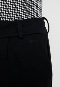 LTB - RISEGA - Pantaloni - black - 5
