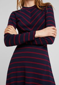 LTB - RIJOWI - Pletené šaty - navy/red - 5