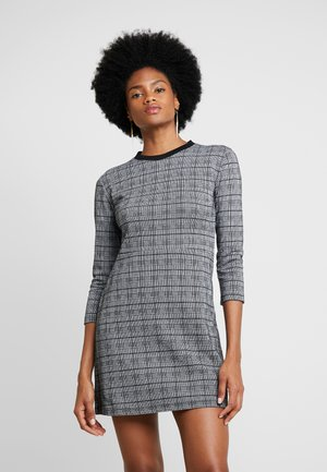 MASIFA - Pletené šaty - black/white
