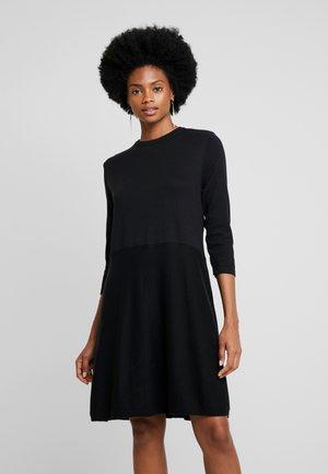 RADIBA - Pletené šaty - black