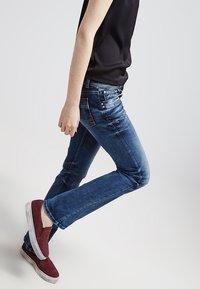 LTB - VALERIE - Jeans bootcut - blue lapis wash - 3