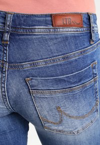 LTB - VALERIE - Bootcut jeans - ceciane wash - 5