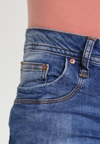 LTB - VALERIE - Bootcut jeans - ceciane wash - 4