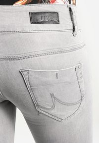 LTB - MOLLY - Slim fit jeans - dia wash - 5