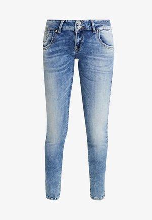 MOLLY - Slim fit jeans - etu wash