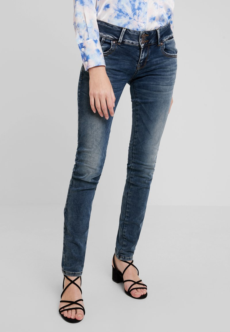 LTB - MOLLY - Slim fit jeans - nome wash