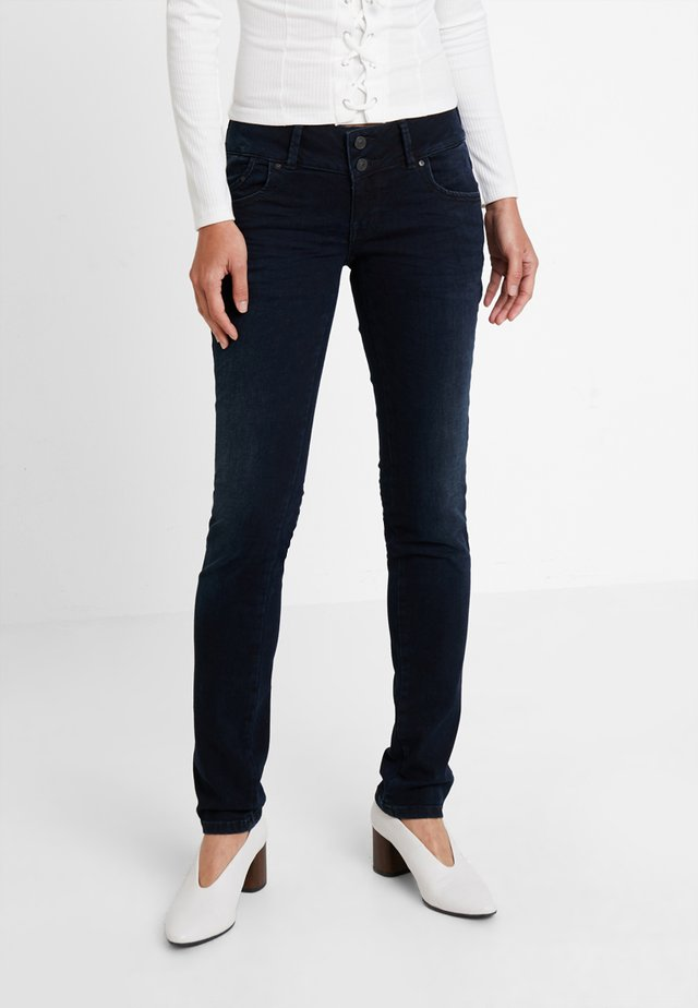MOLLY - Slim fit jeans - coliann wash