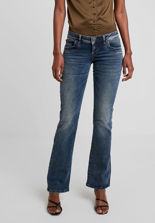 VALERIE - Bootcut jeans - nome wash