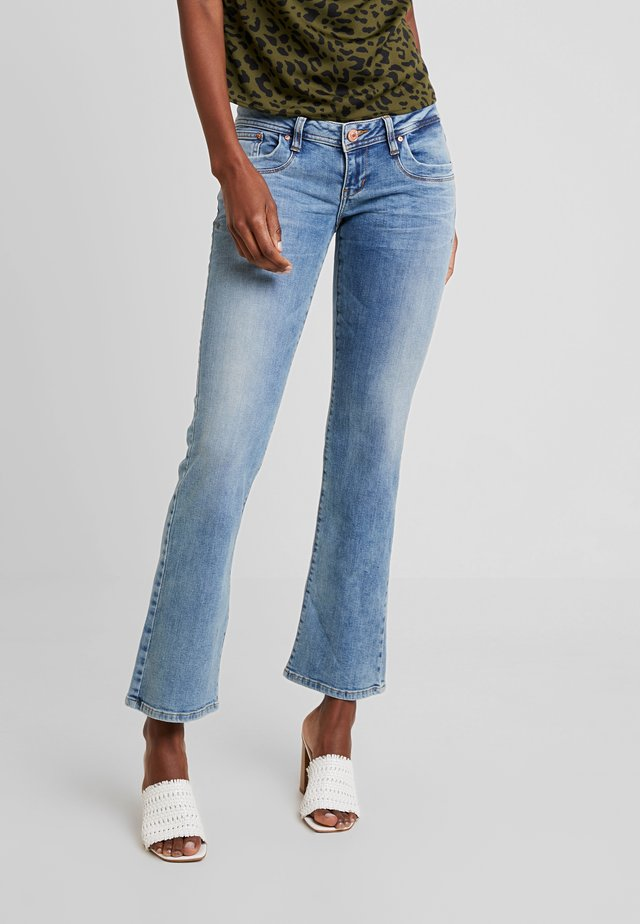 VALERIE - Jeans bootcut - larsson wash