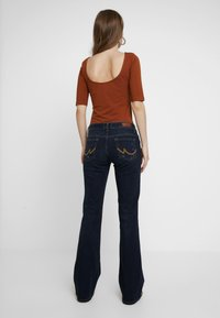 LTB - ROXY - Flared Jeans - oxford wash - 2