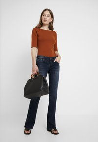 LTB - ROXY - Flared Jeans - oxford wash - 1