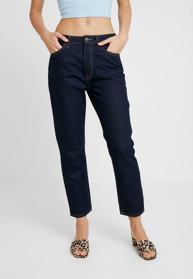 VICTORIA - Relaxed fit jeans - rinsed wash