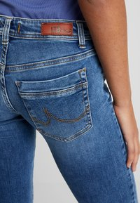LTB - VALERIE - Bootcut jeans - yule wash - 3