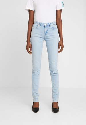 NICOLE - Jeansy Skinny Fit - berry wash